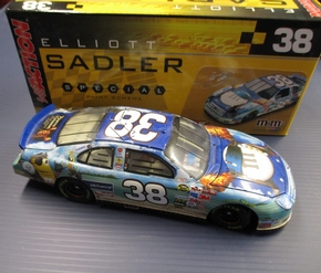 ARC-111910 # 38 Elliot Sadler  MM's /Pirate of Carribbean