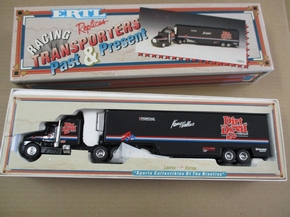 ERTL-3870  1:64 scale  Racing Replicas Transporters Past & Present