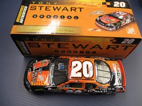 MotorSports Authority -  1:24 Tony Stewart #20 Powerade/Home Depot 2006 Monte Carlo