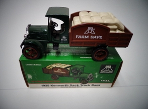 ERTL-B728    1925 KENWORTH SACK TRUCK  LOCKING COIN BANK